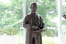 武田斐三郎 立像