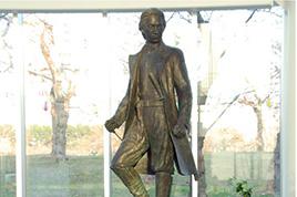 Bronze statue of Toshizo Hijikata