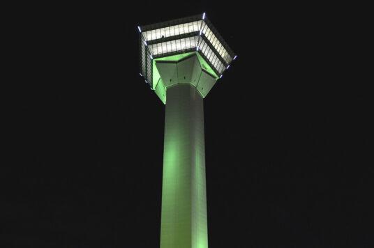 世界緑内障週間「ライトアップ in グリーン運動」